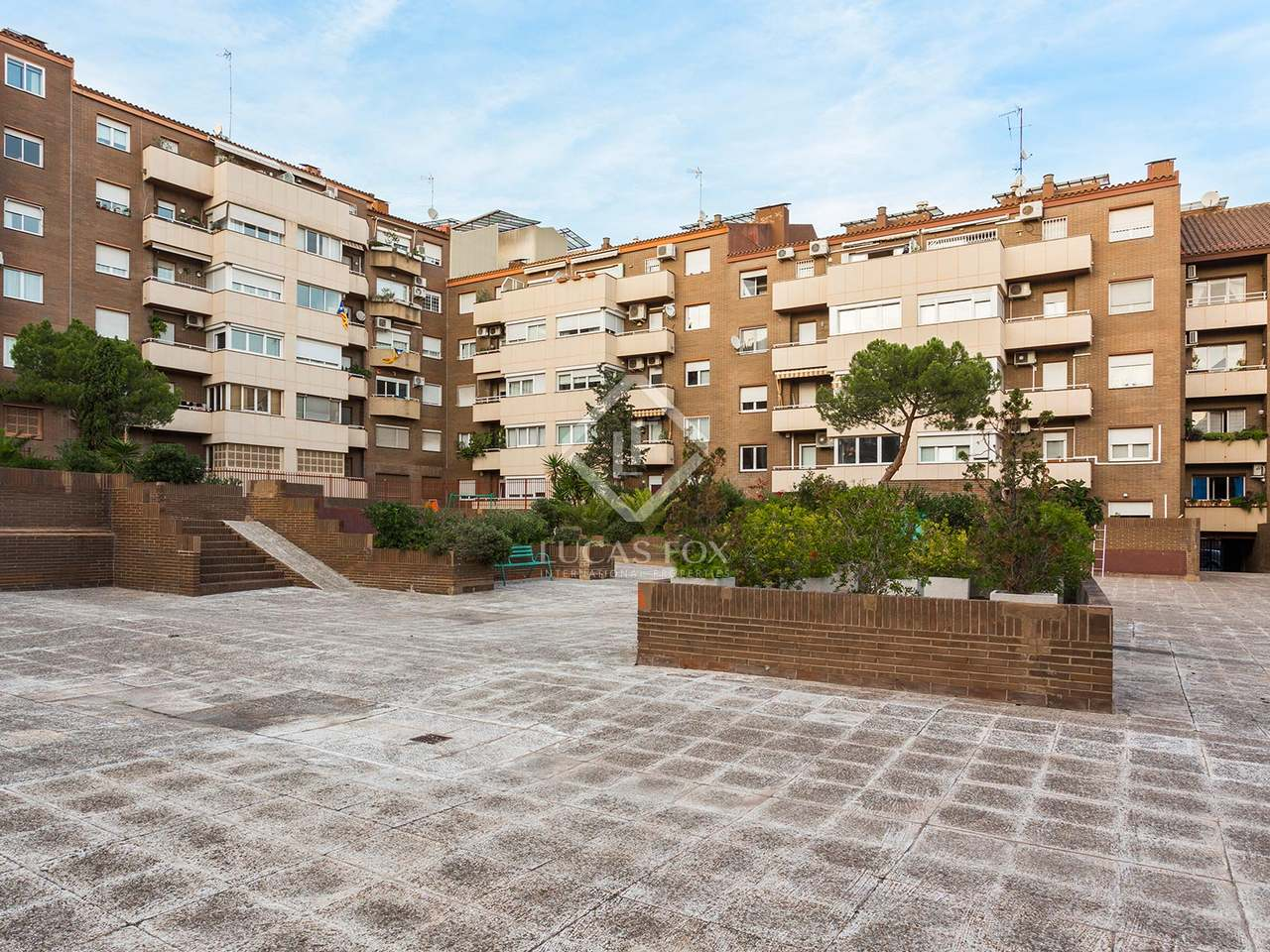 Renovated penthouse with terrace for sale in zona alta - Zona alta barcelona ...