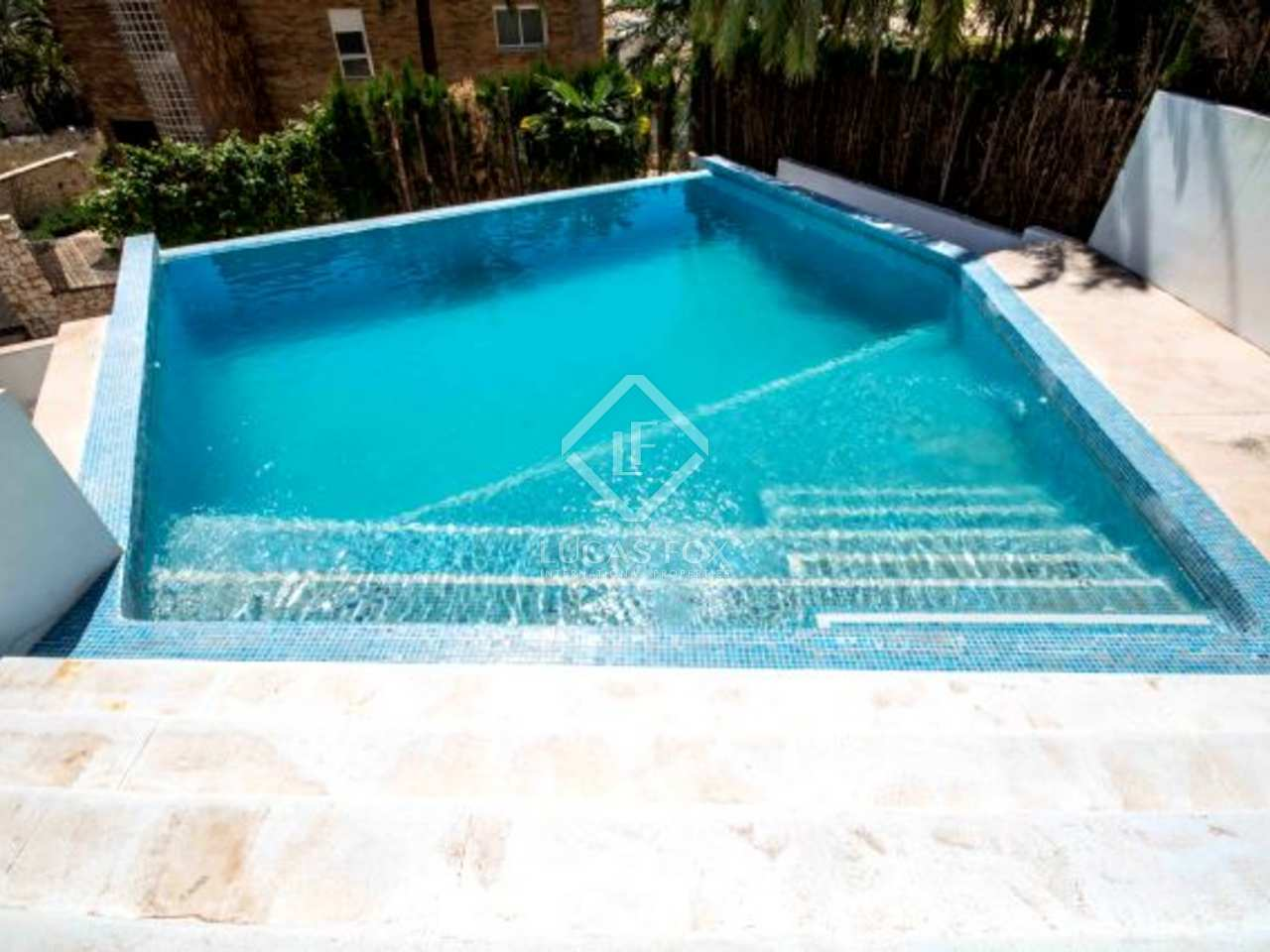 Villa en vente cullera sur la c te de valence for Piscine du polygone valence