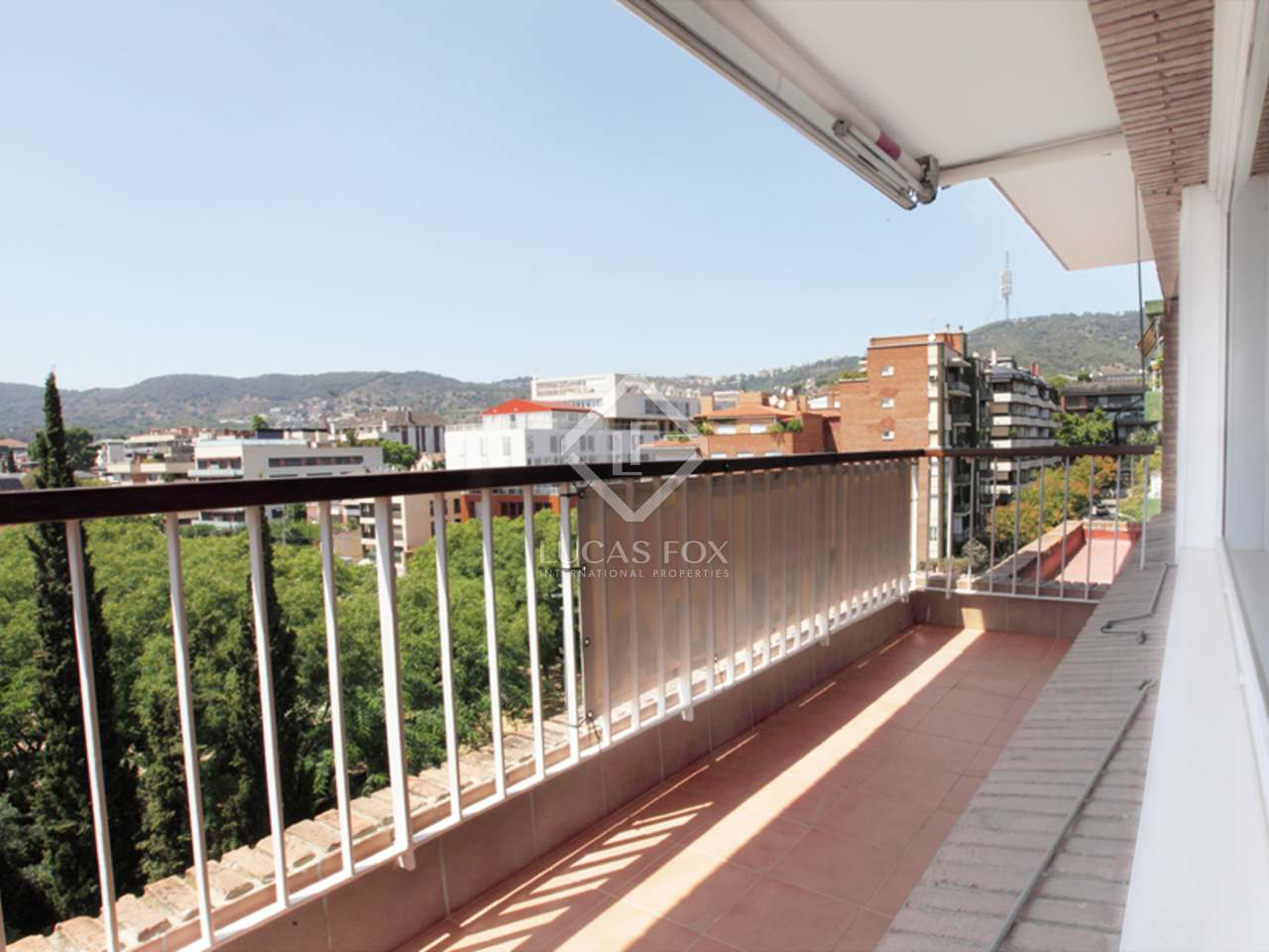 Penthouse en duplex avec terrasse spacieuse vendre for Piscine w barcelone