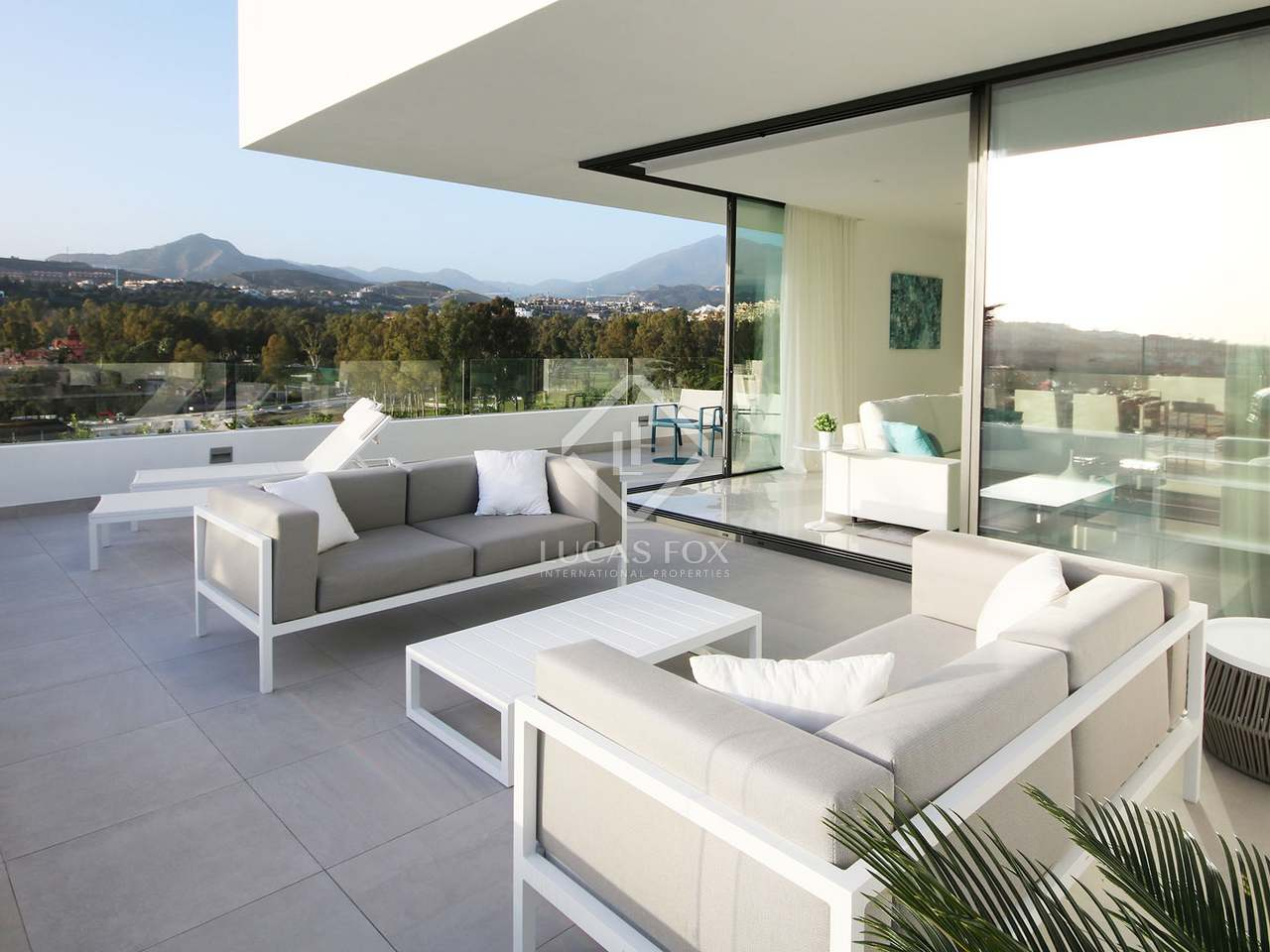 New build 3 bedroom penthouse with 156m² of terraces in atalaya