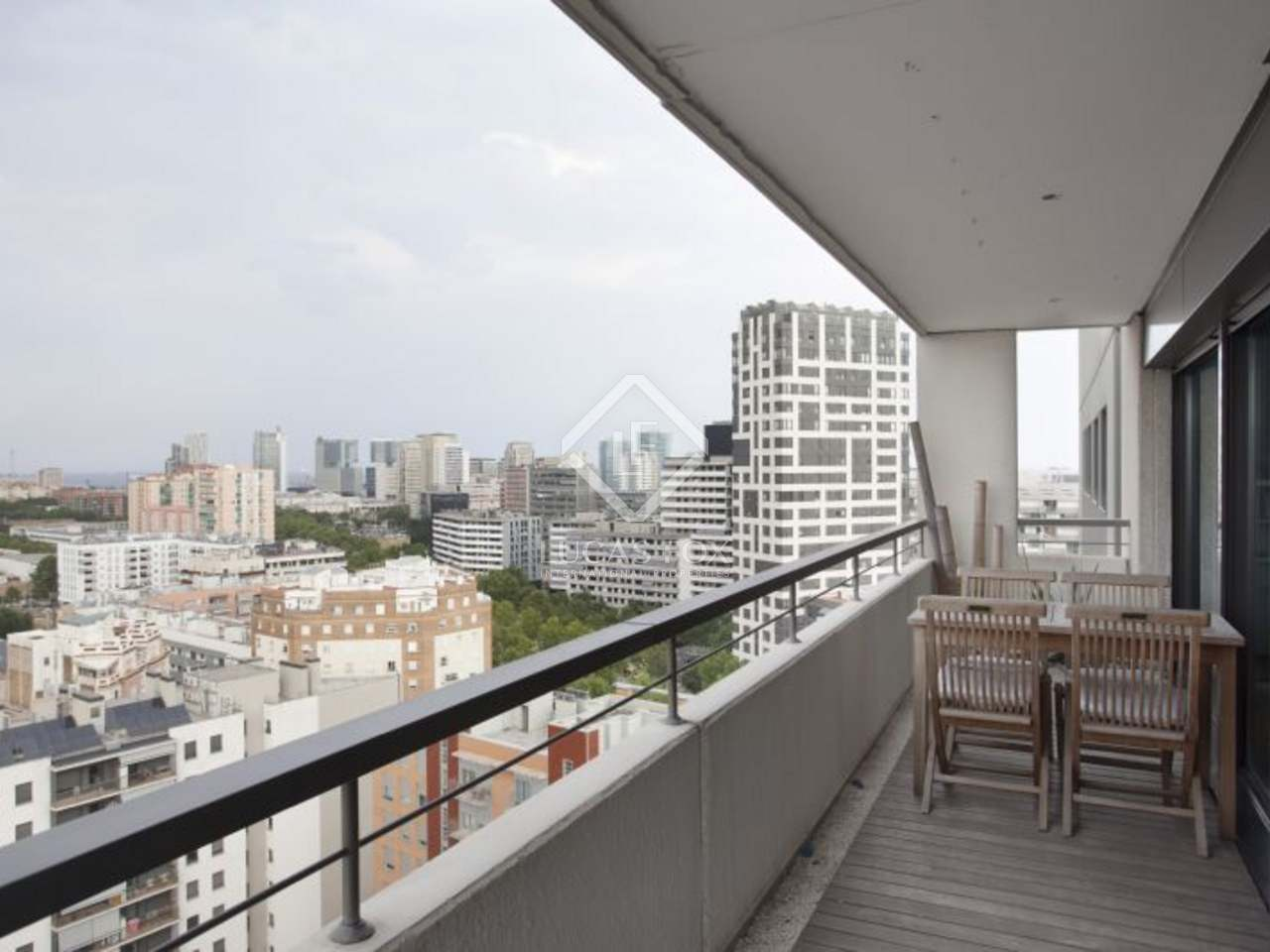 Appartement moderne en vente poblenou barcelone for Appartement barcelone piscine