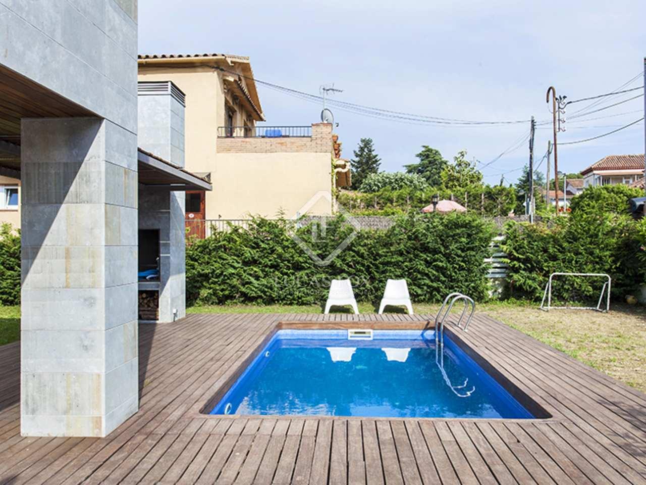 Casa de 4 dormitorios en venta en valldoreix for Piscina valldoreix
