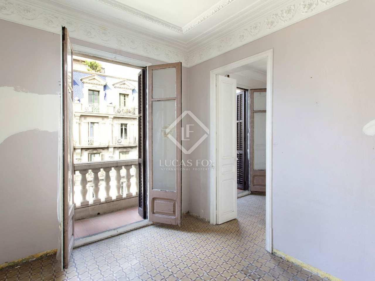 appartement moderniste en vente l 39 eixample sur barcelone. Black Bedroom Furniture Sets. Home Design Ideas