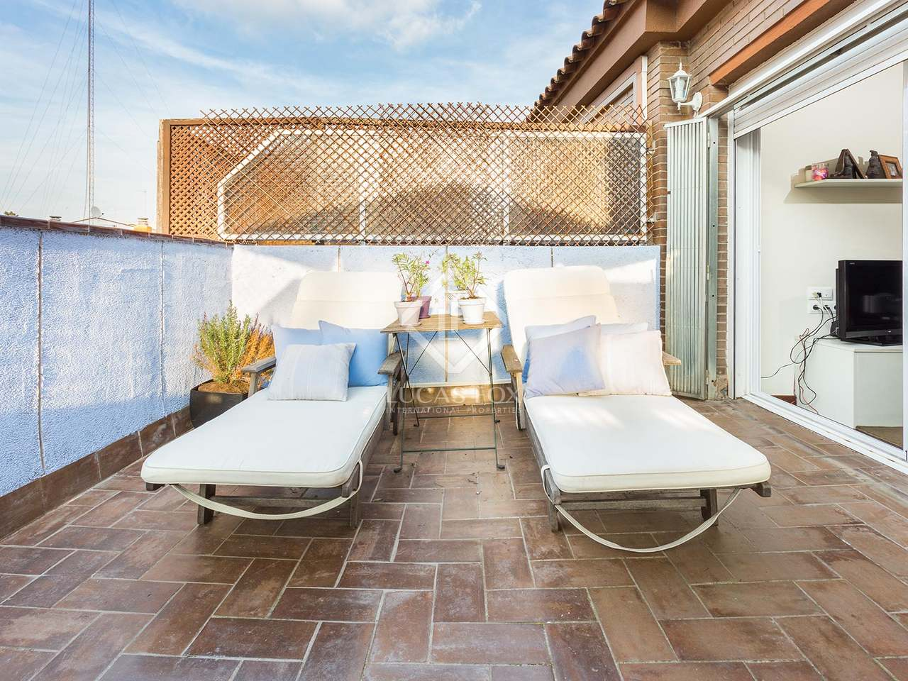 Fully renovated penthouse with terrace for sale in zona alta - Zona alta barcelona ...