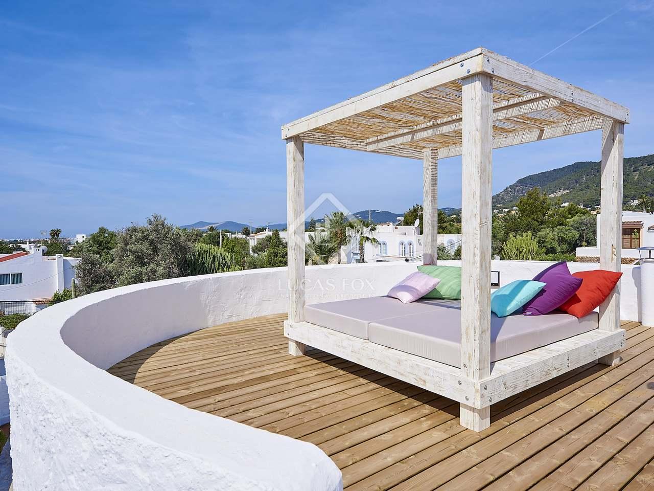 maison villa de 200m a vendre ibiza ville ibiza. Black Bedroom Furniture Sets. Home Design Ideas