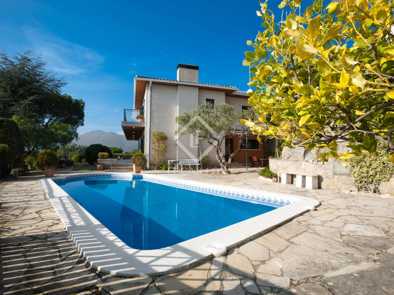 5 bedroom house with pool and sea views for sale in cabrils for 5 bedroom house with pool