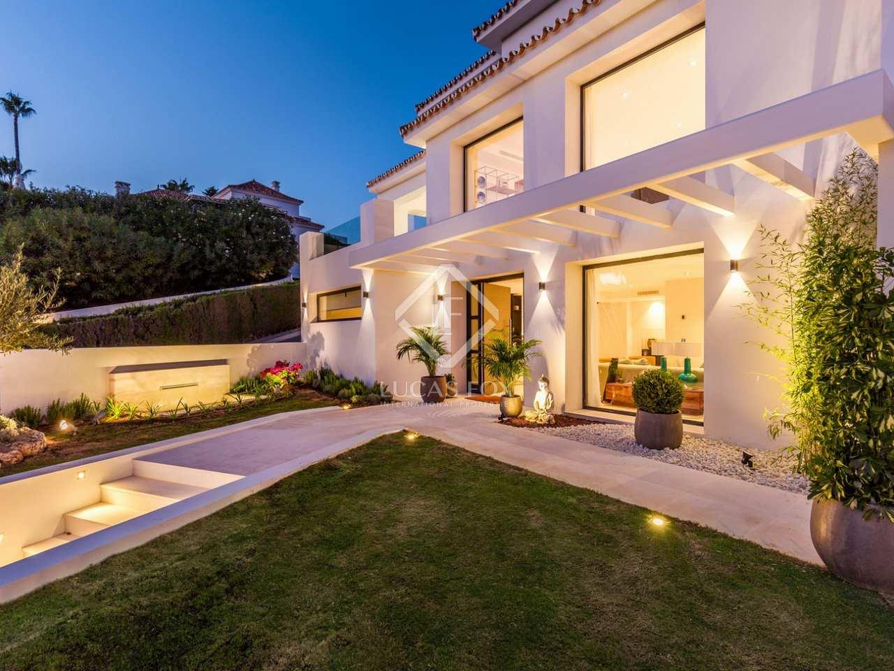 Villa de 495m con terrazas en venta en nueva andaluc a for Terrazas 1280 a