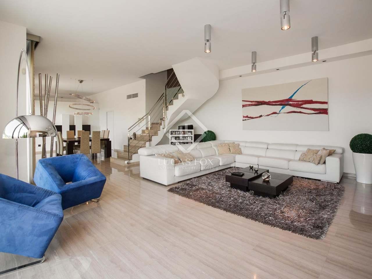 Casa de 343m con 965m de terraza en alquiler en cabrils for Casa con jardin alquiler barcelona