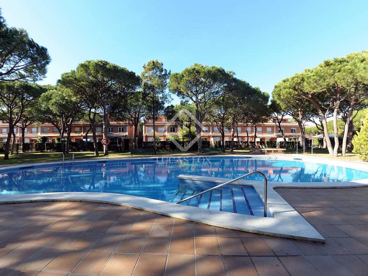 372 m house with 180 m garden for sale in gav mar for Barcelona pool garden 4
