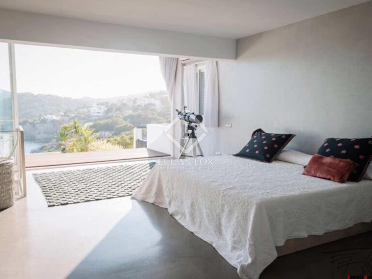 Casa adosada moderna en venta en roca llisa ibiza for Jacuzzi casa moderna