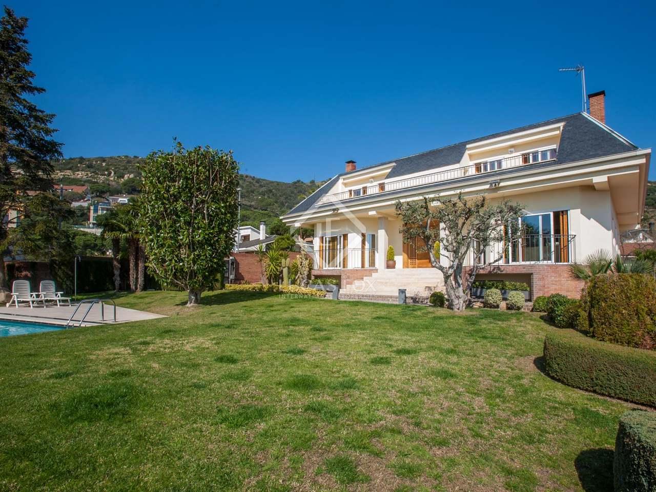 Villa de 5 dormitorios en venta en badalona barcelona for Casa jardin badalona