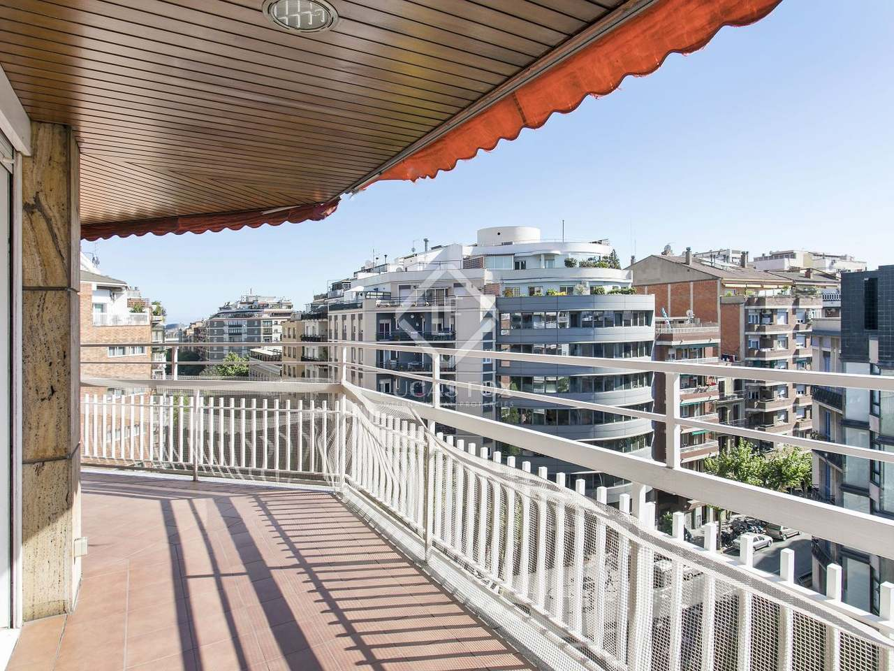 Appartement de 120m a louer eixample droite barcelone for Appartement barcelone piscine