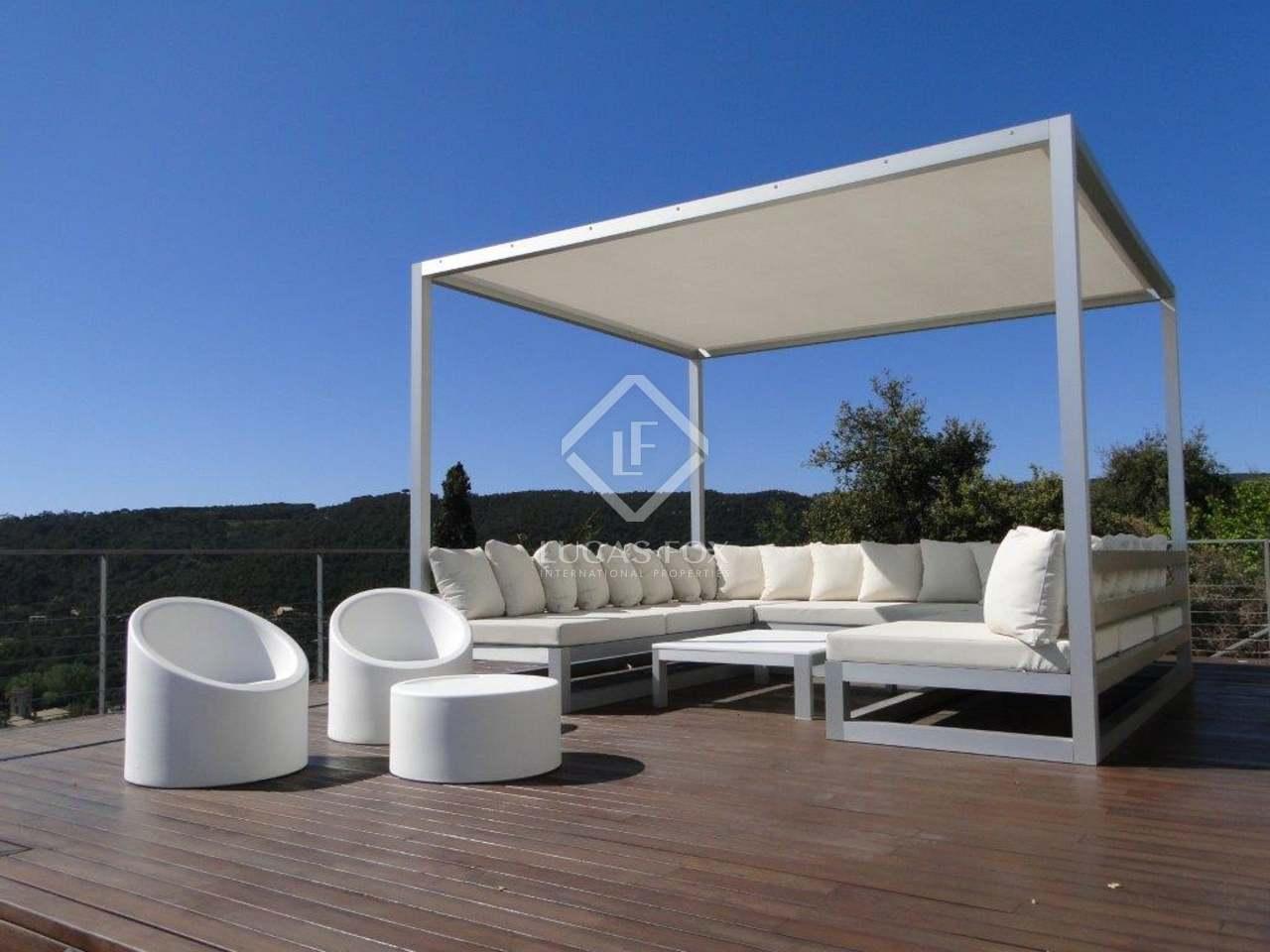 5 slaapkamers in moderne stijl te koop in de costa brava - Moderne huis op een helling ...
