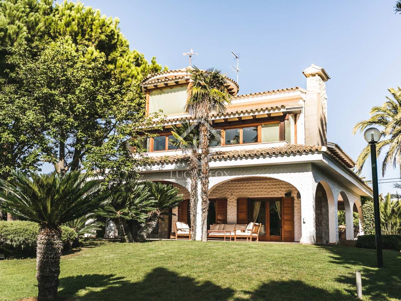 Luxury villa with pool for sale in el planti valencia for Villas valencia