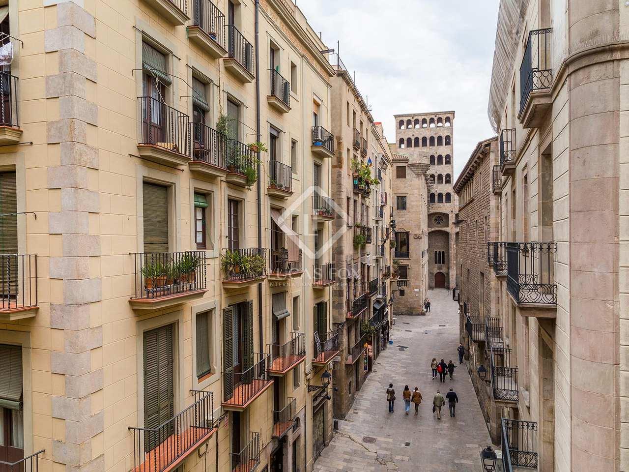 apartamento loft en venta en el casco antiguo de barcelona. Black Bedroom Furniture Sets. Home Design Ideas