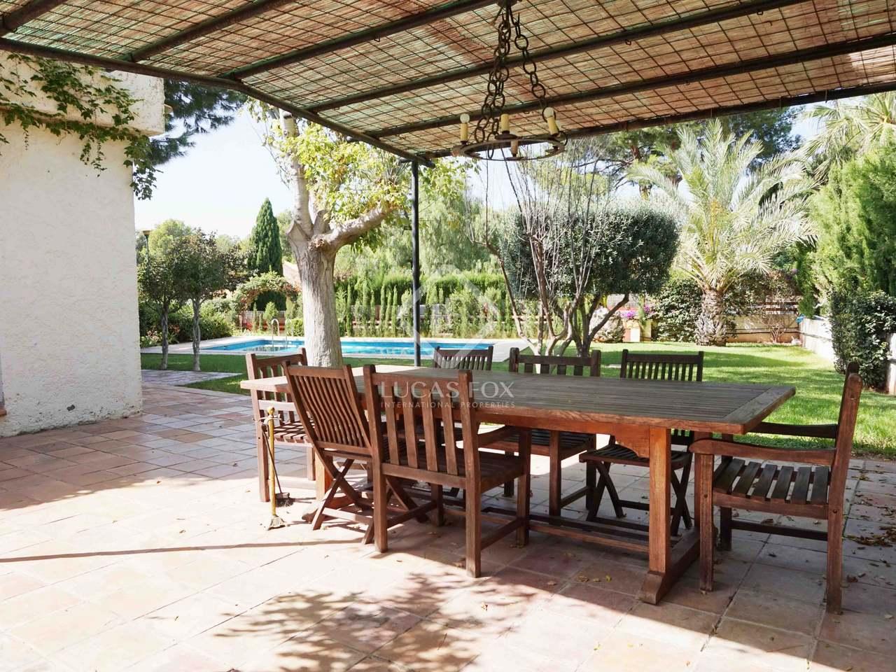 Belle occasion de r nover une villa monasterios valence for Club piscine granby 960 rue principale
