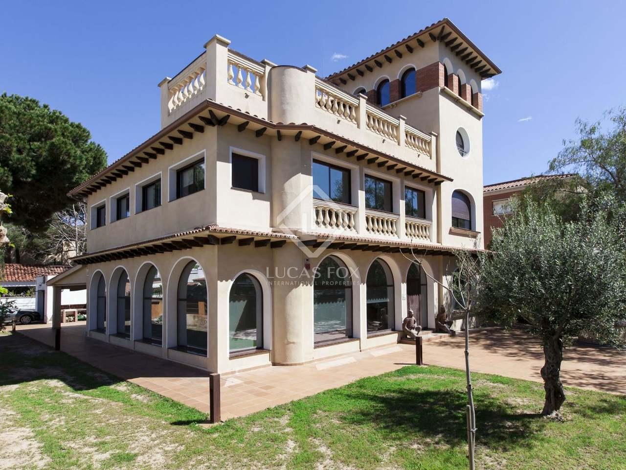 maison villa de 694m a vendre castelldefels barcelone. Black Bedroom Furniture Sets. Home Design Ideas