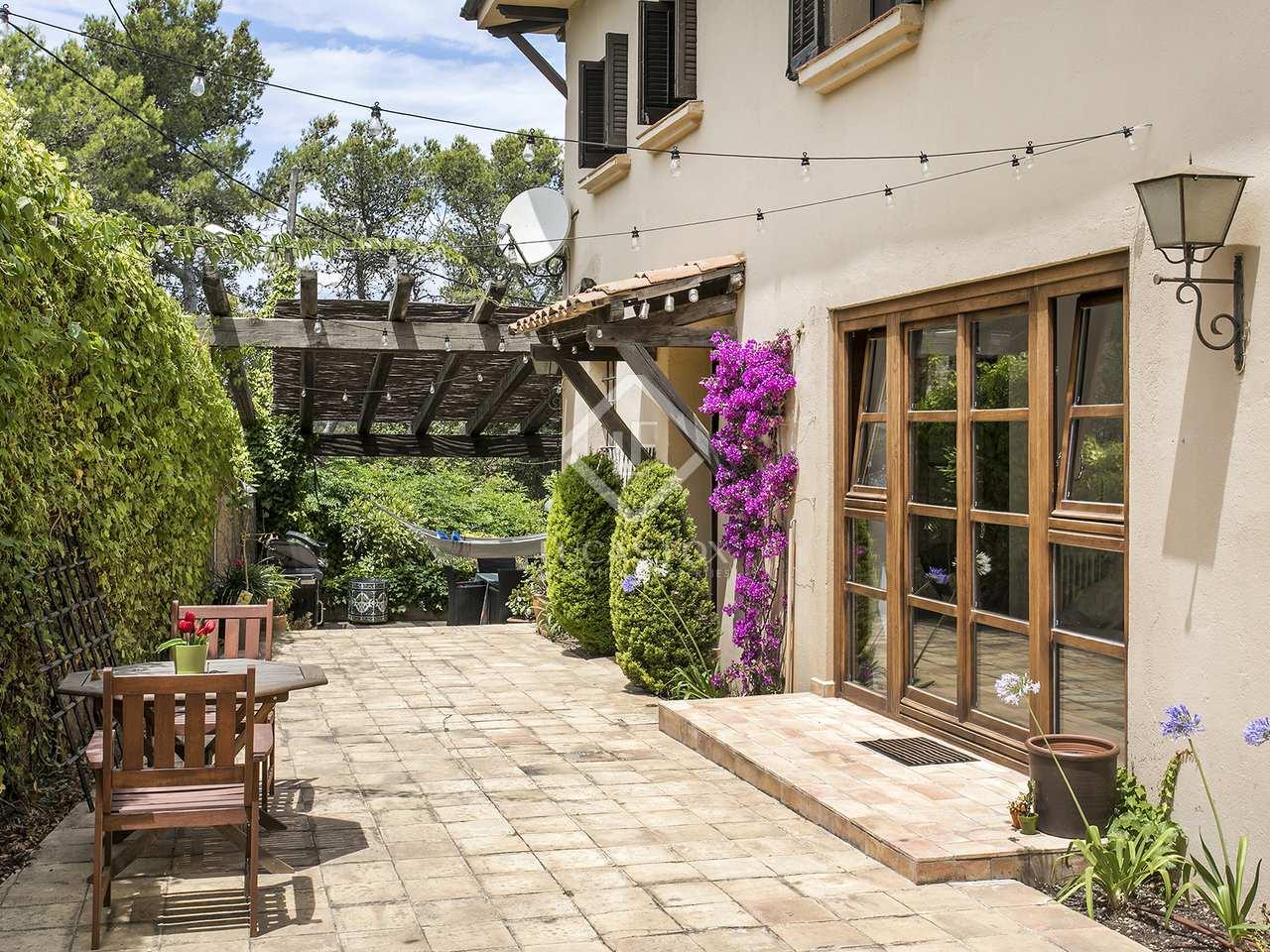 528m haus villa mit 750m garten zum verkauf in vallvidrera. Black Bedroom Furniture Sets. Home Design Ideas