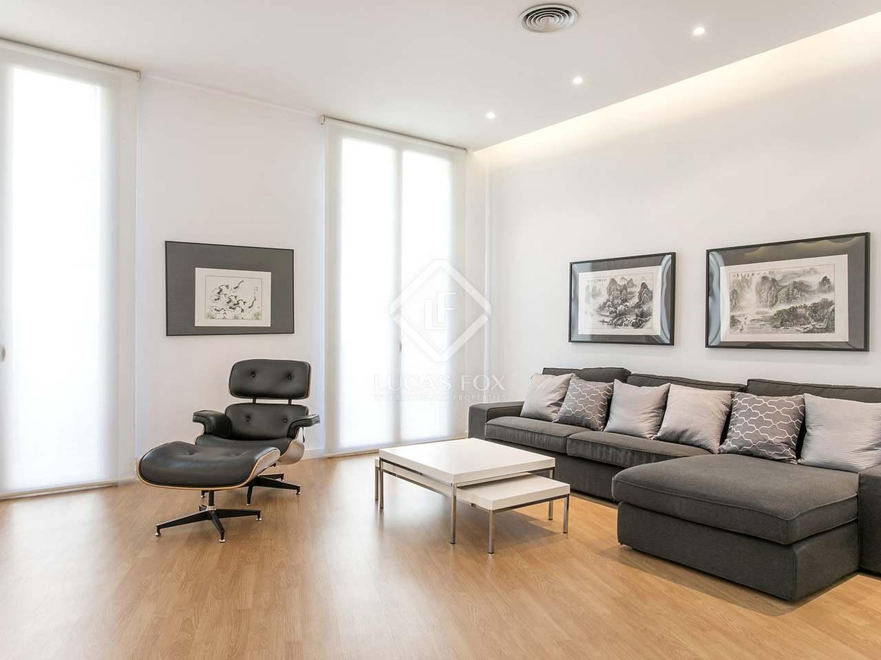 Appartamento di 220m in affitto a gotico barcellona for Affittare casa a barcellona