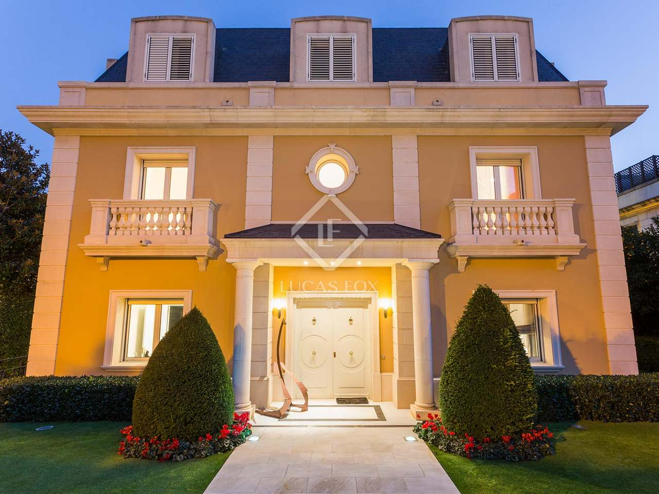 Substantial classic villa for sale in Pedralbes