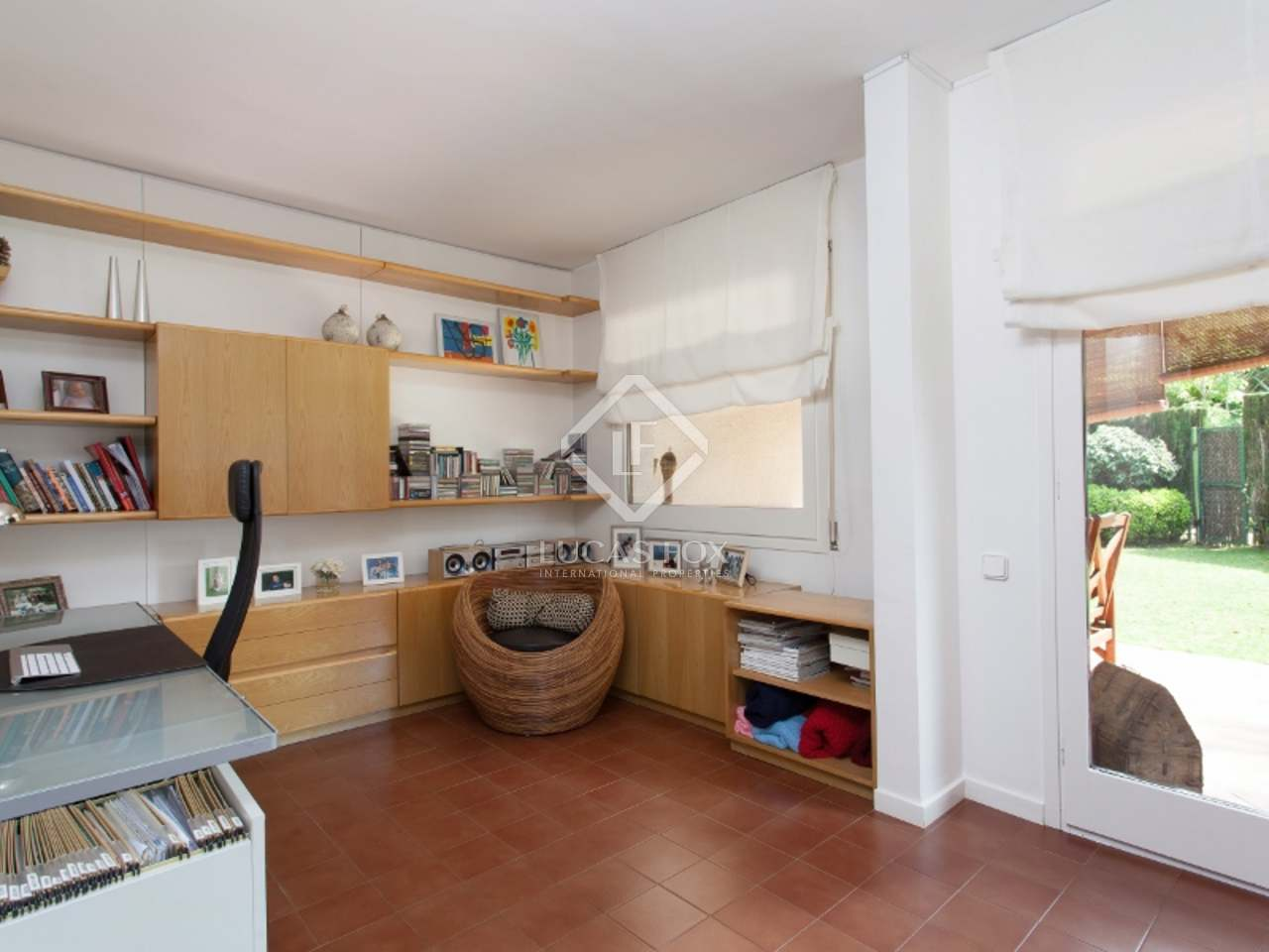 Attractive 4 Bedroom House For Sale In The Centre Of Alella