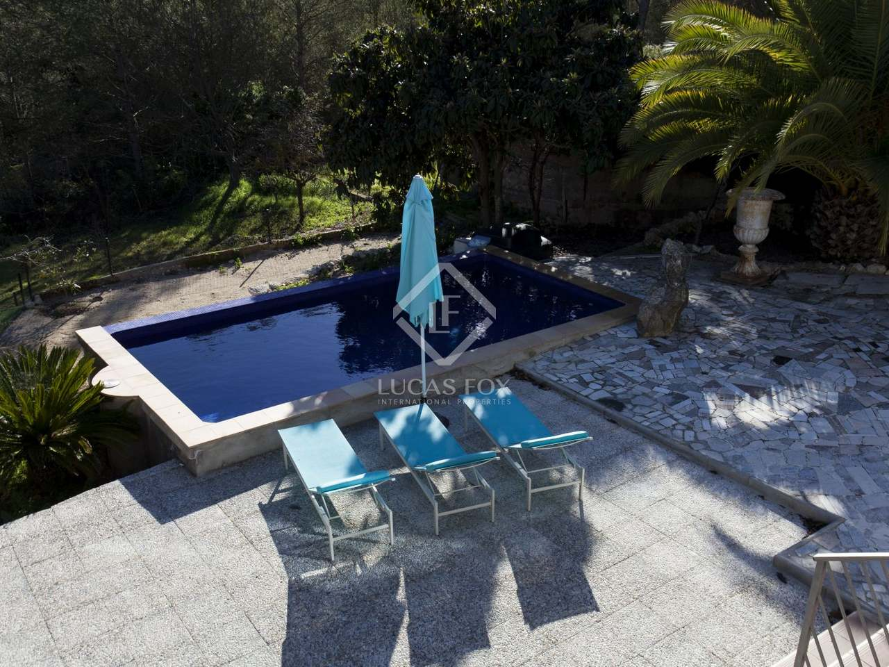 Villa with 4 bedrooms garden and pool for sale in sitges for Garden pool for sale