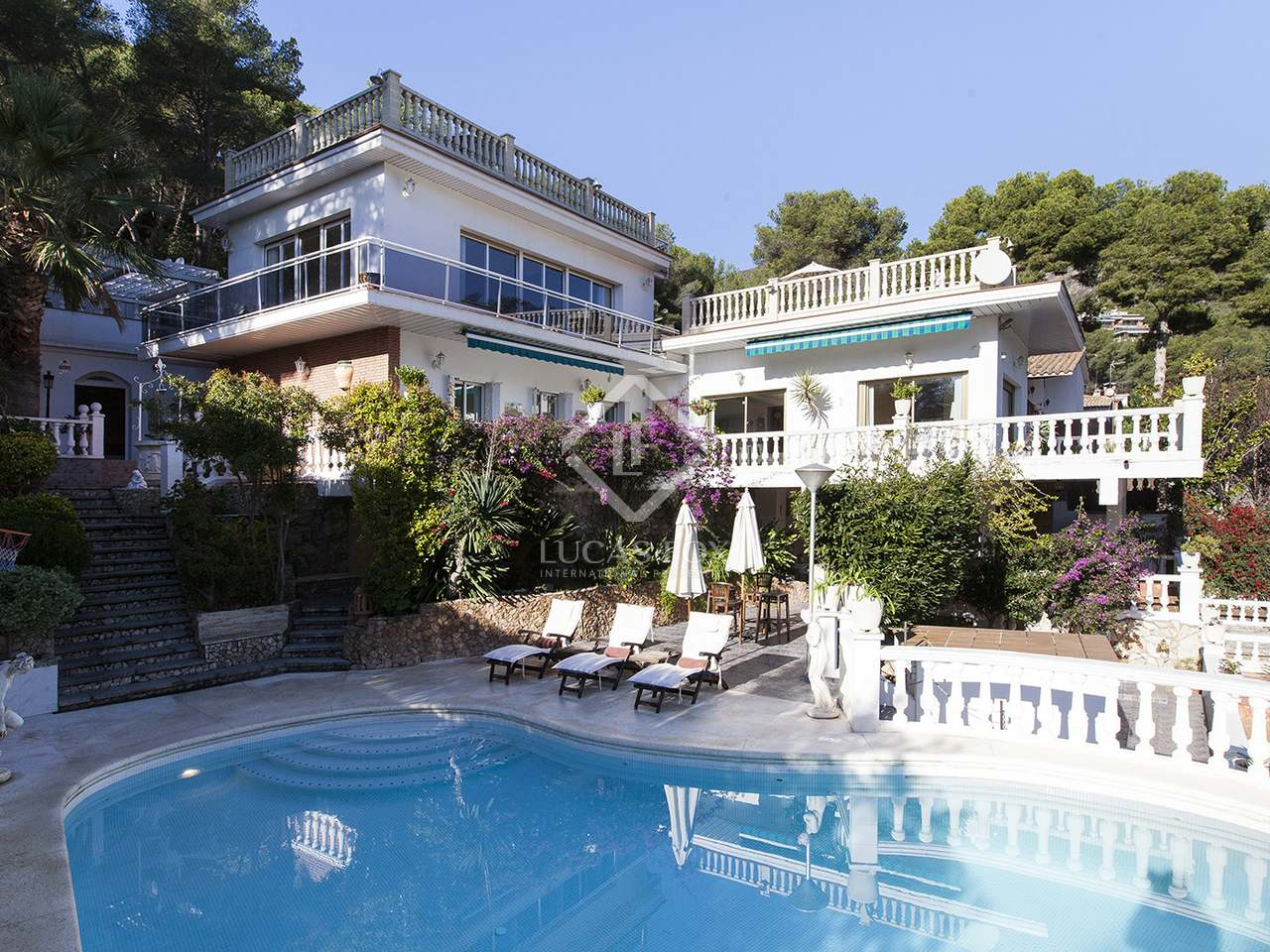 5 Bedroom Villa With A Pool To Buy In Bellamar Castelldefels