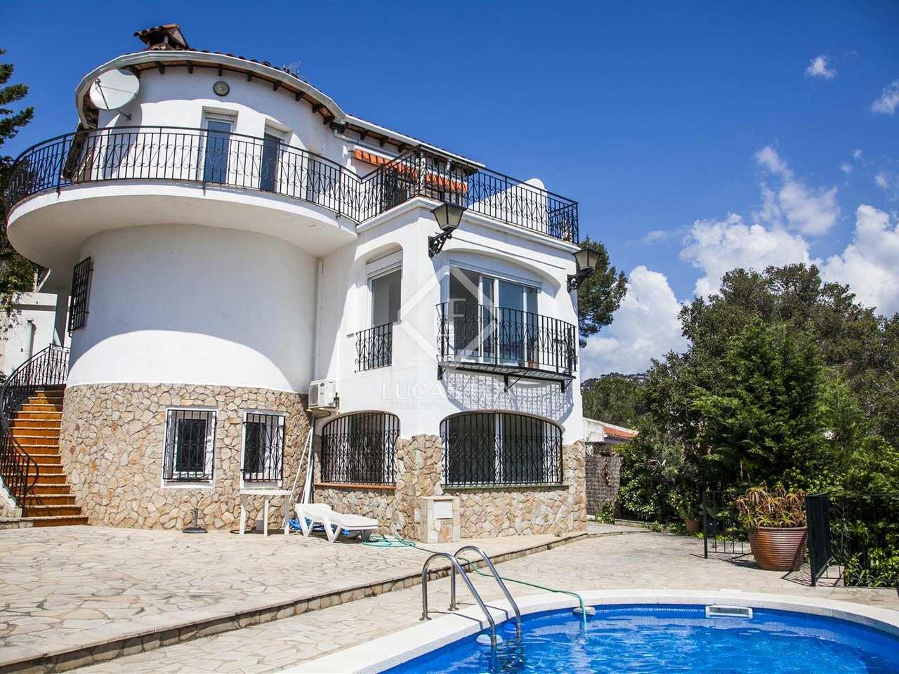 Maison villa de 210m a vendre lloret de mar tossa for Location maison lloret del mar avec piscine