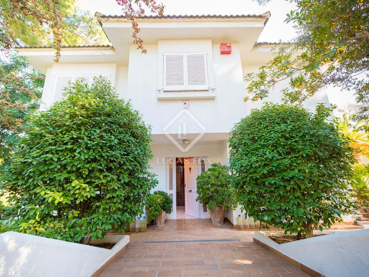 maison villa de 346m a vendre castelldefels barcelone. Black Bedroom Furniture Sets. Home Design Ideas