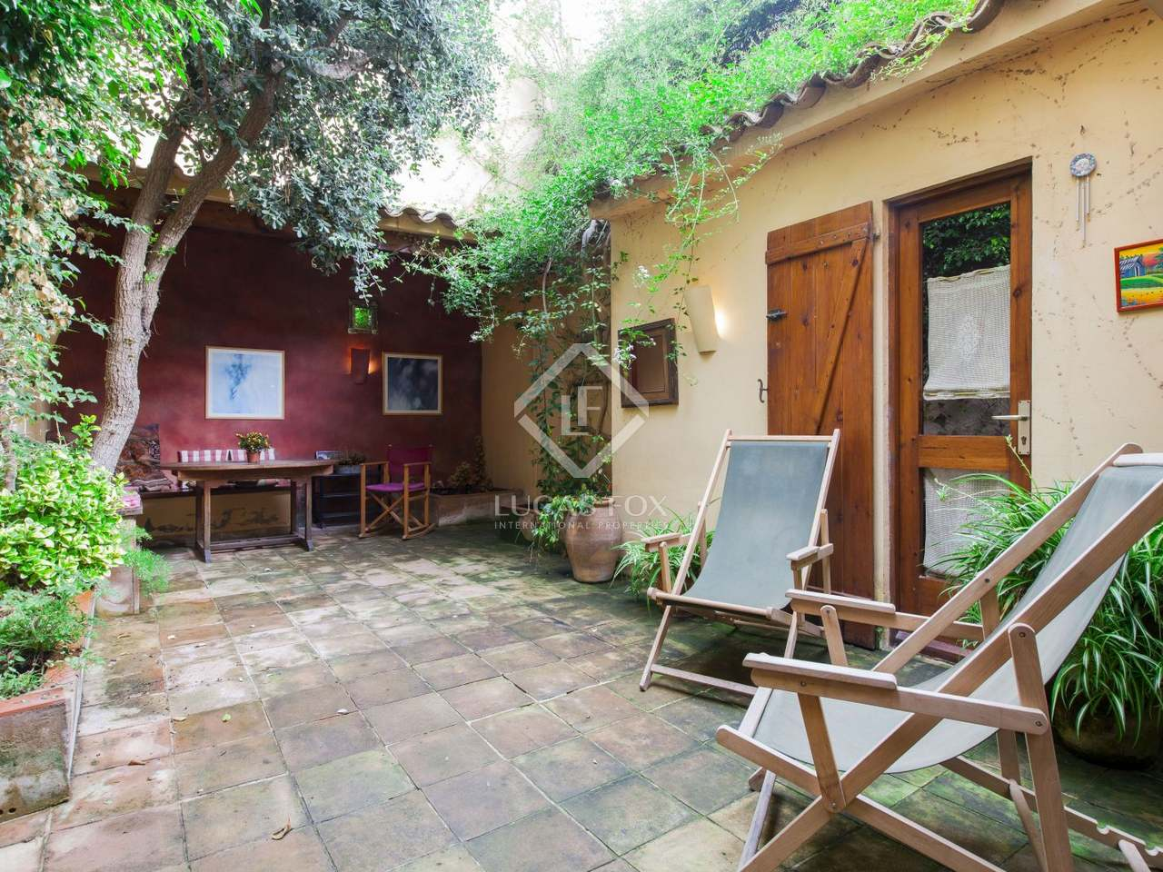 210m haus villa mit 30m terrasse zum verkauf in sitges. Black Bedroom Furniture Sets. Home Design Ideas