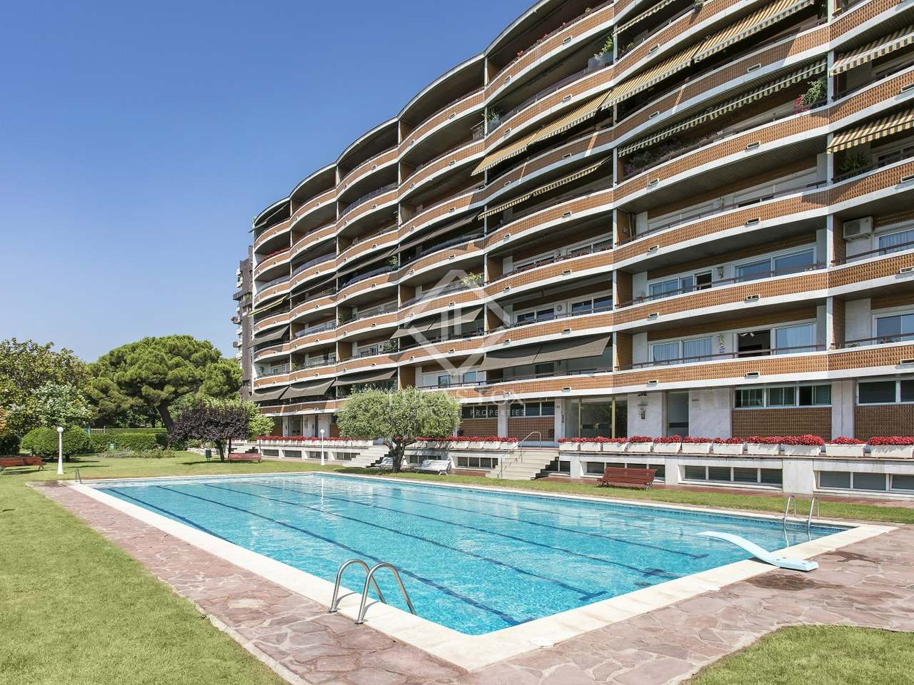 Appartement de 175m a louer les corts barcelone for Appartement piscine barcelone