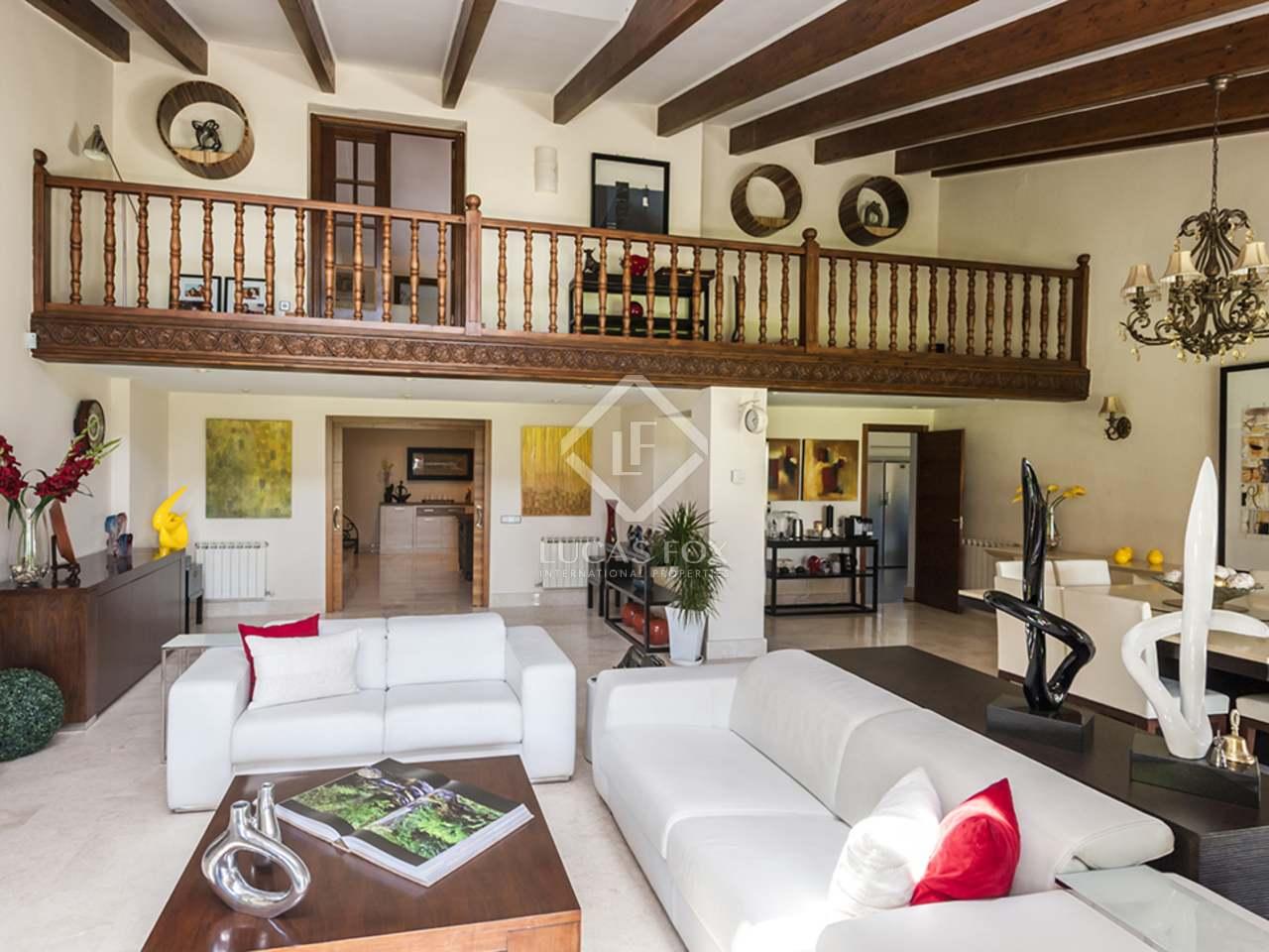Casa mediterr nea con piscina en venta en la moraleja for Apartamentos en madrid con piscina