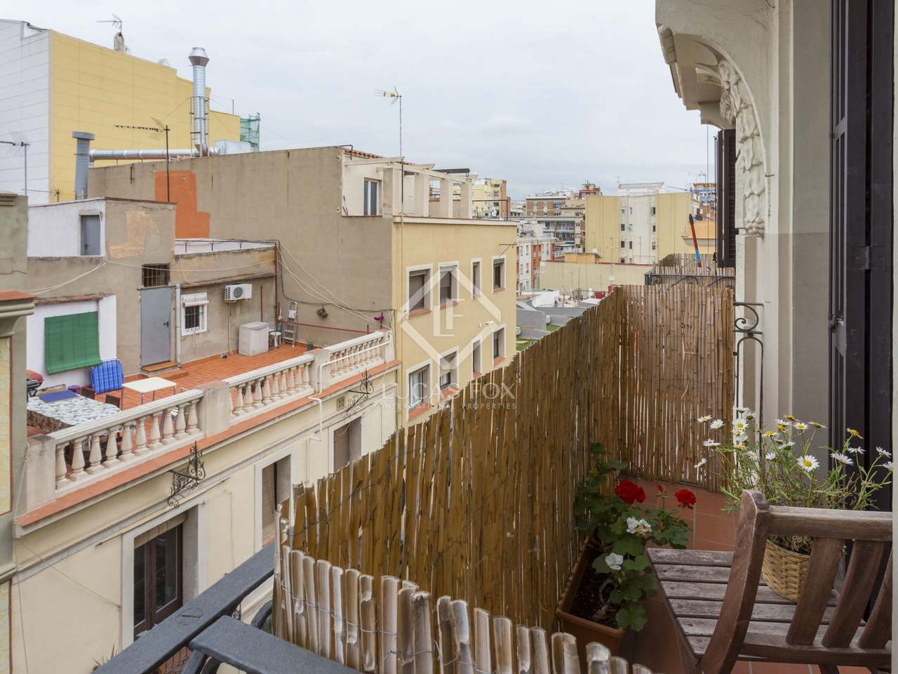 Appartement de 57m a vendre gr cia barcelone for Appartement piscine barcelone