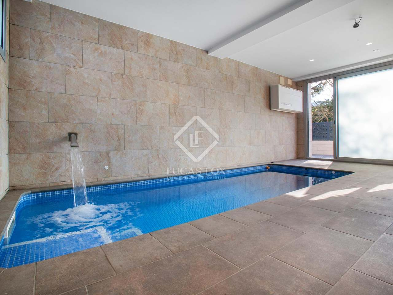 3 bedroom villa with an indoor pool for sale in vallromanes for 6 bedroom house with swimming pool for sale