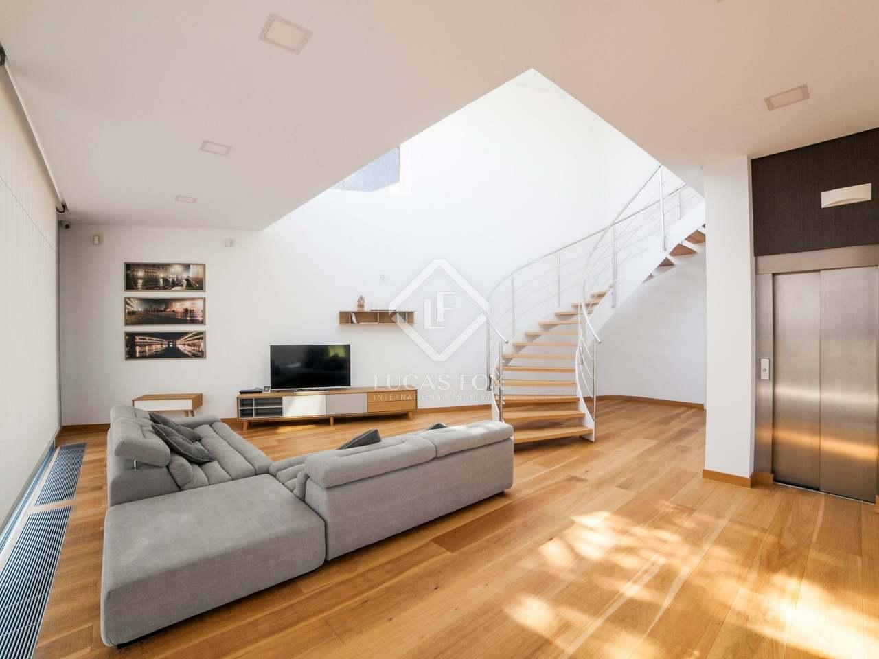 Casa moderna en venta en lloret de mar en la costa brava for Casas modernas 4 cuartos