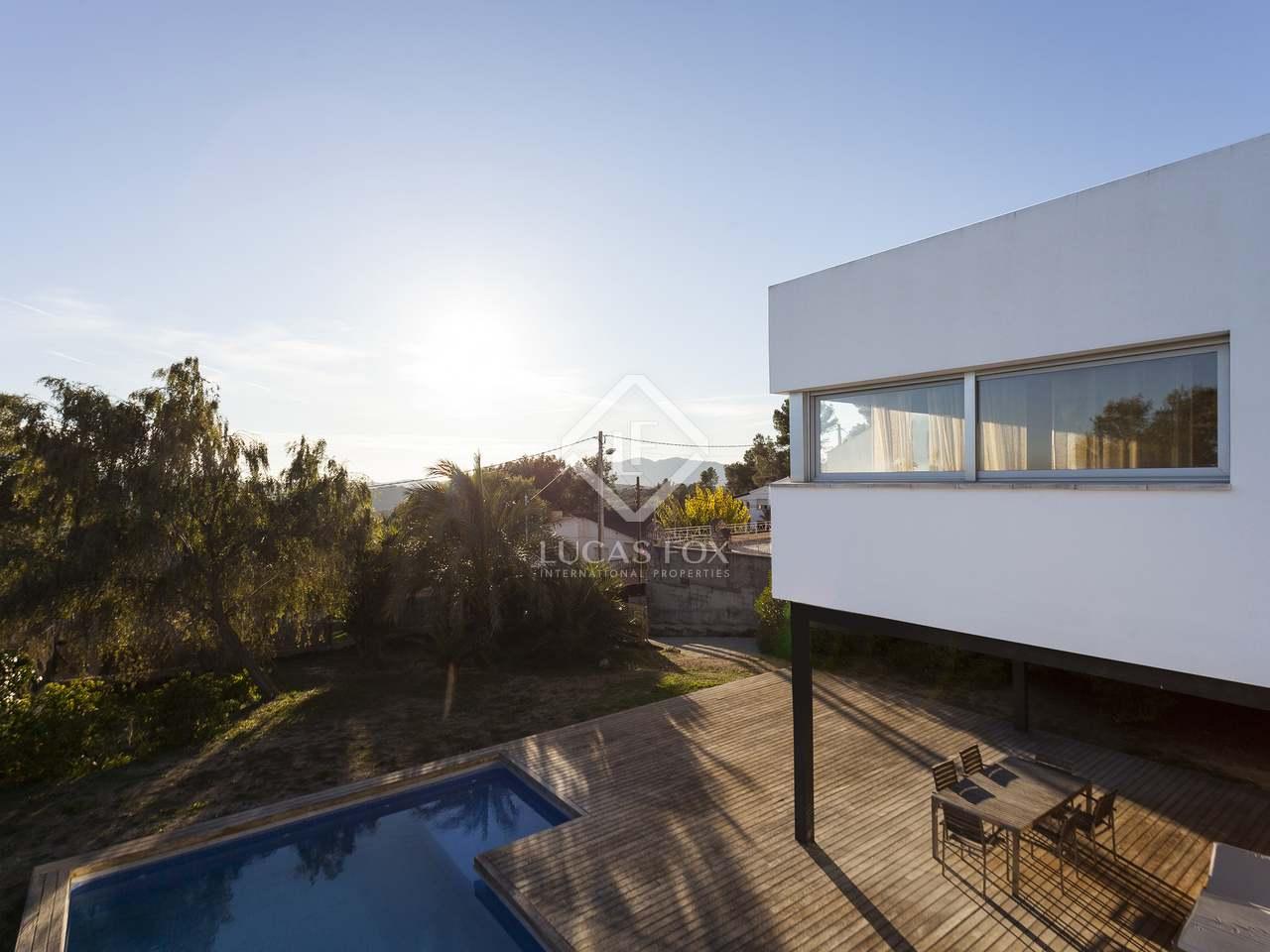 Huis villa van m² te koop met m² terras in olivella