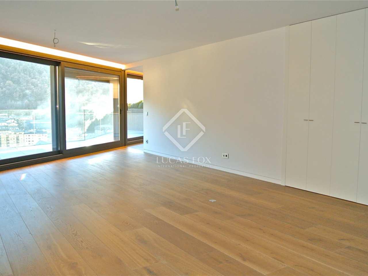 243m wohnung mit 32m terrasse zum verkauf in andorra la vella. Black Bedroom Furniture Sets. Home Design Ideas