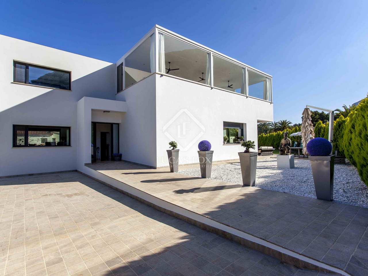 369m haus villa mit 80m terrasse zum verkauf in d nia. Black Bedroom Furniture Sets. Home Design Ideas