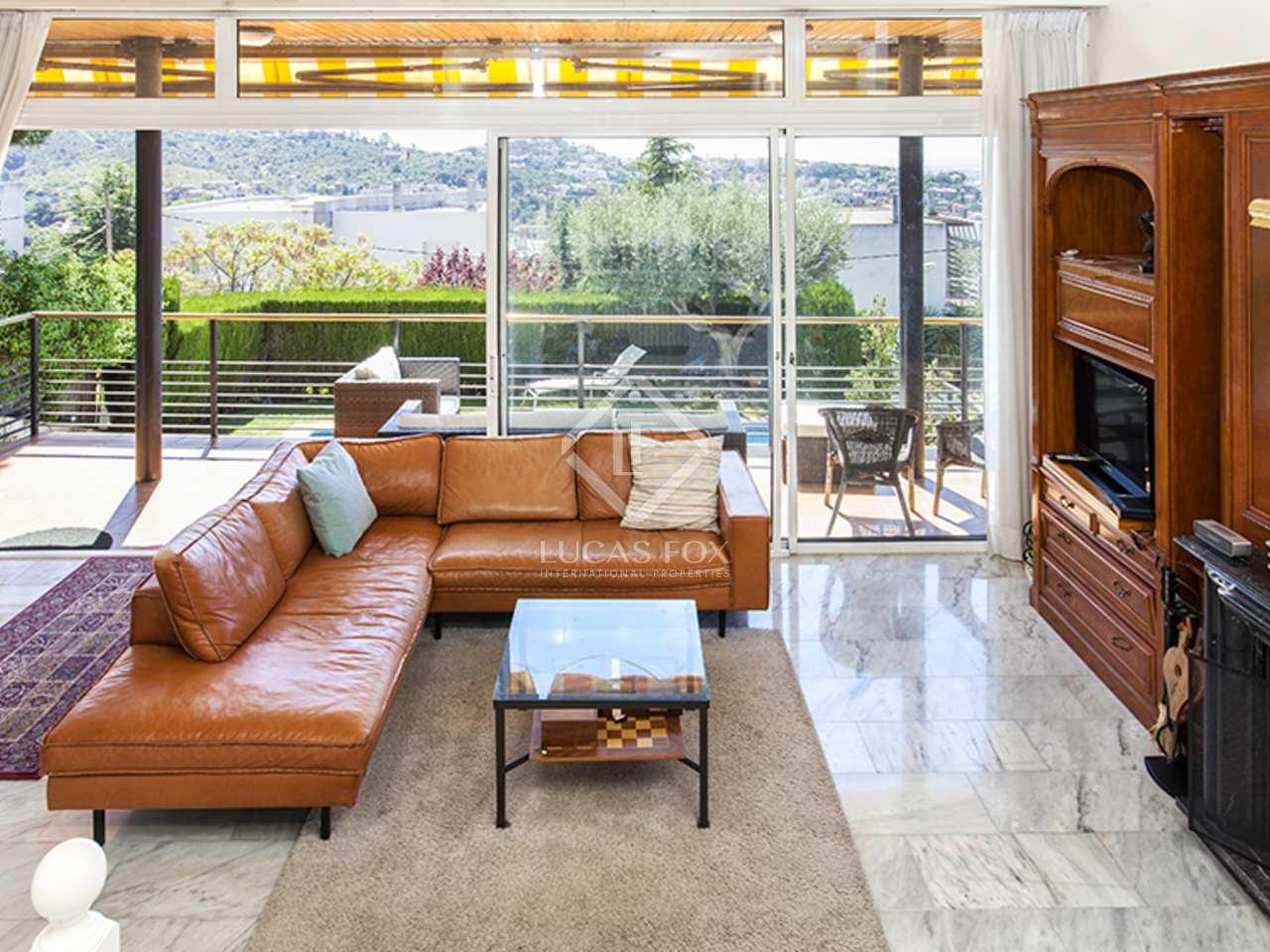 Excelente casa familiar en alquiler en sant just desvern for Casa alquiler barcelona jardin