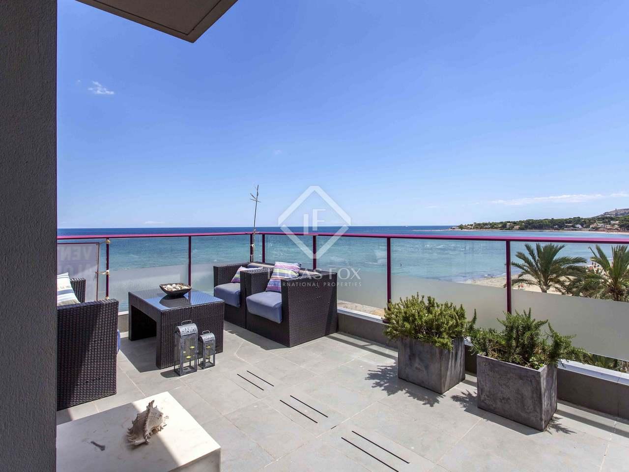 196m dachwohnung mit 232m terrasse zum verkauf in d nia. Black Bedroom Furniture Sets. Home Design Ideas