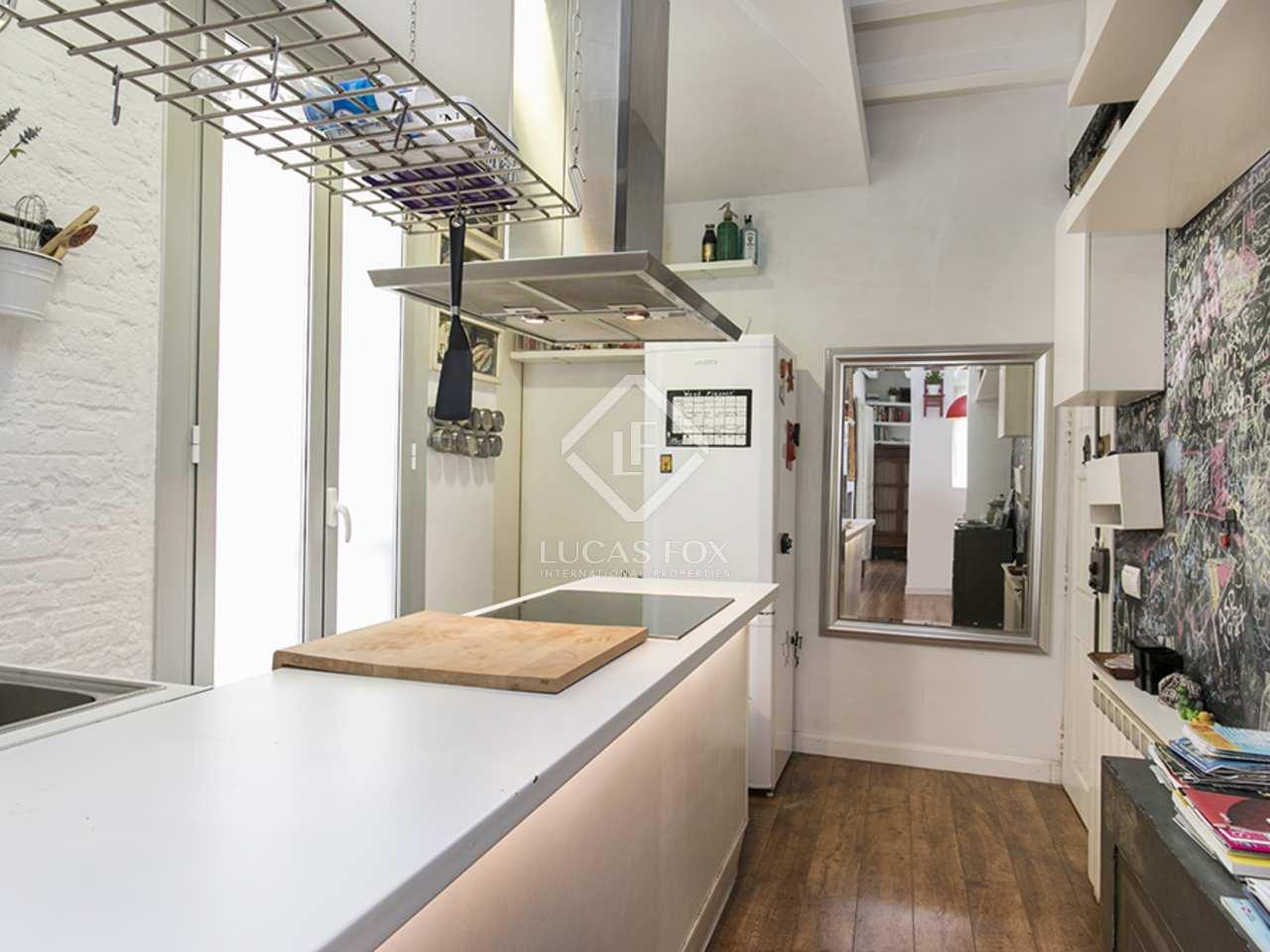 Bonito apartamento con licencia tur stica en venta en gr cia for Licencia apartamento turistico madrid