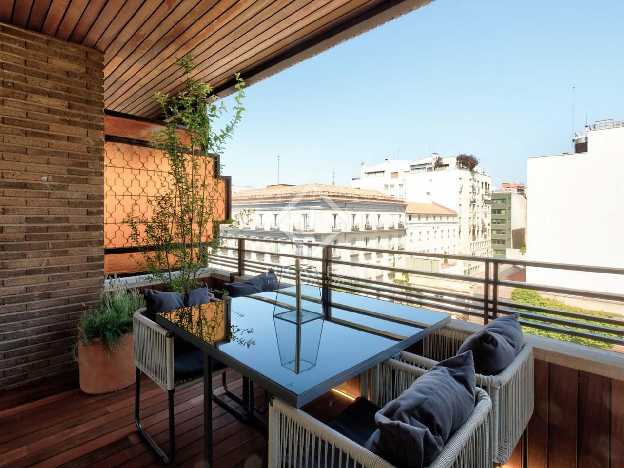 Apartamento de 240m con terraza en venta en castellana for Terrazas 1280 a