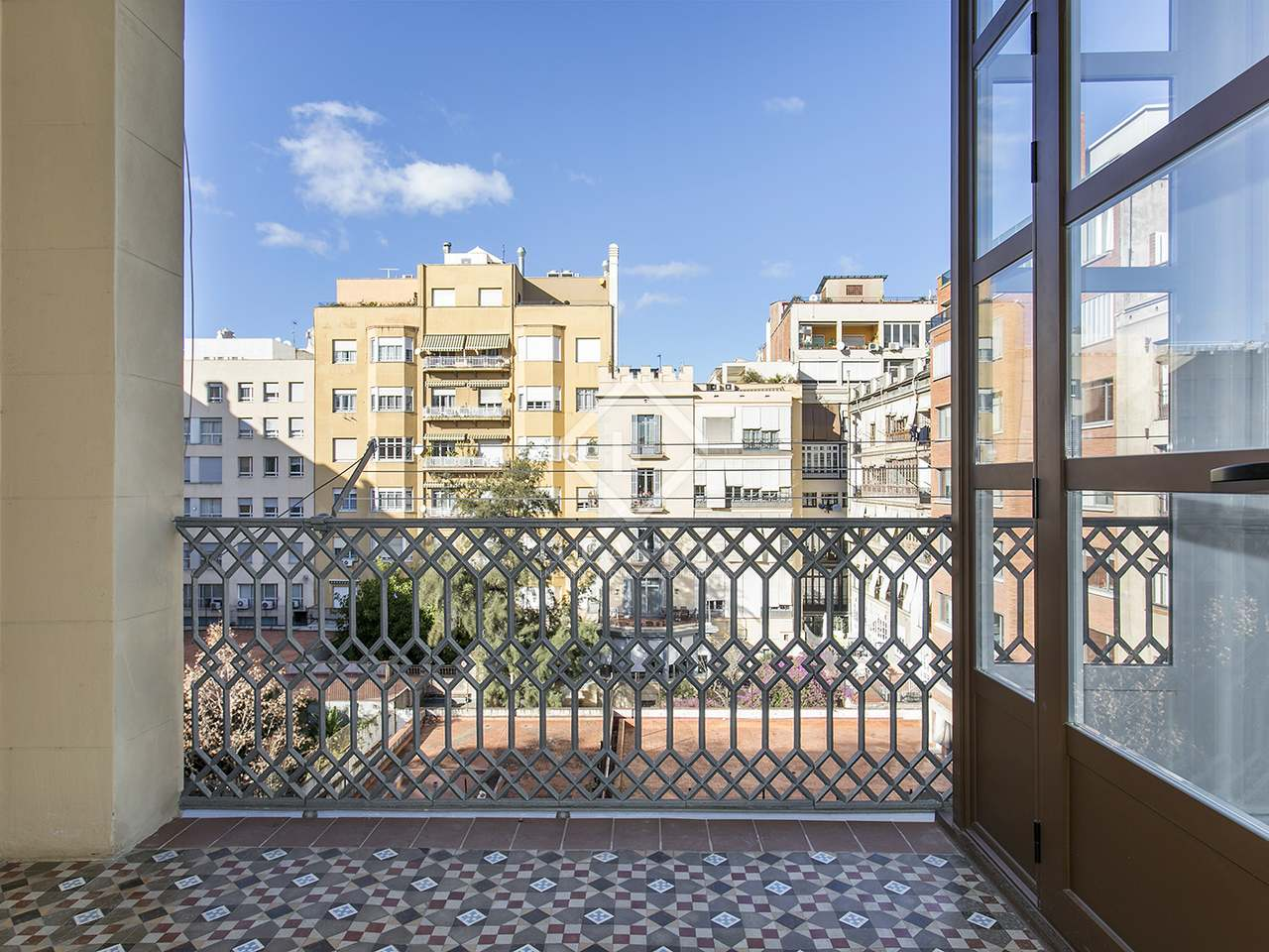 Appartement de 200m a louer eixample droite barcelone for Appartement barcelone piscine
