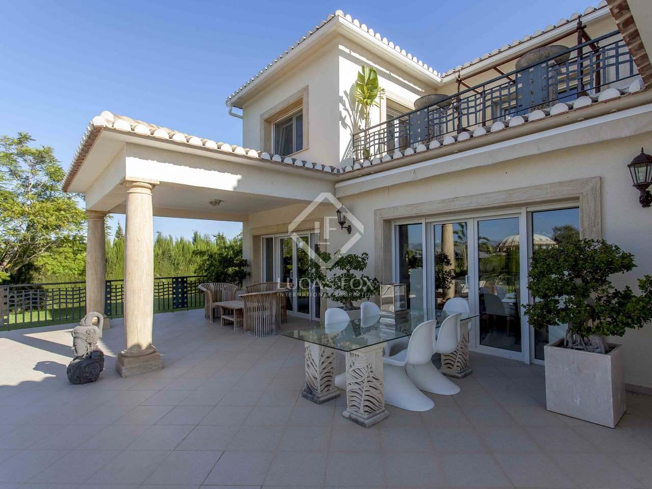 Propiedad de lujo de 556m con jard n en alquiler en d nia for Jardin villa bonita culiacan