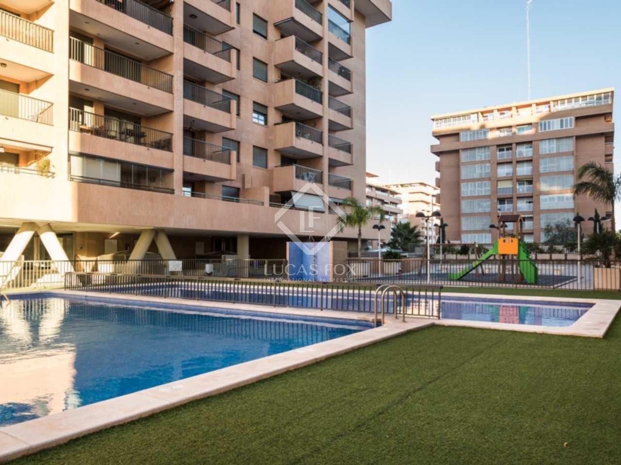 Apartamento con piscina en venta en playa patacona for Piscina patacona