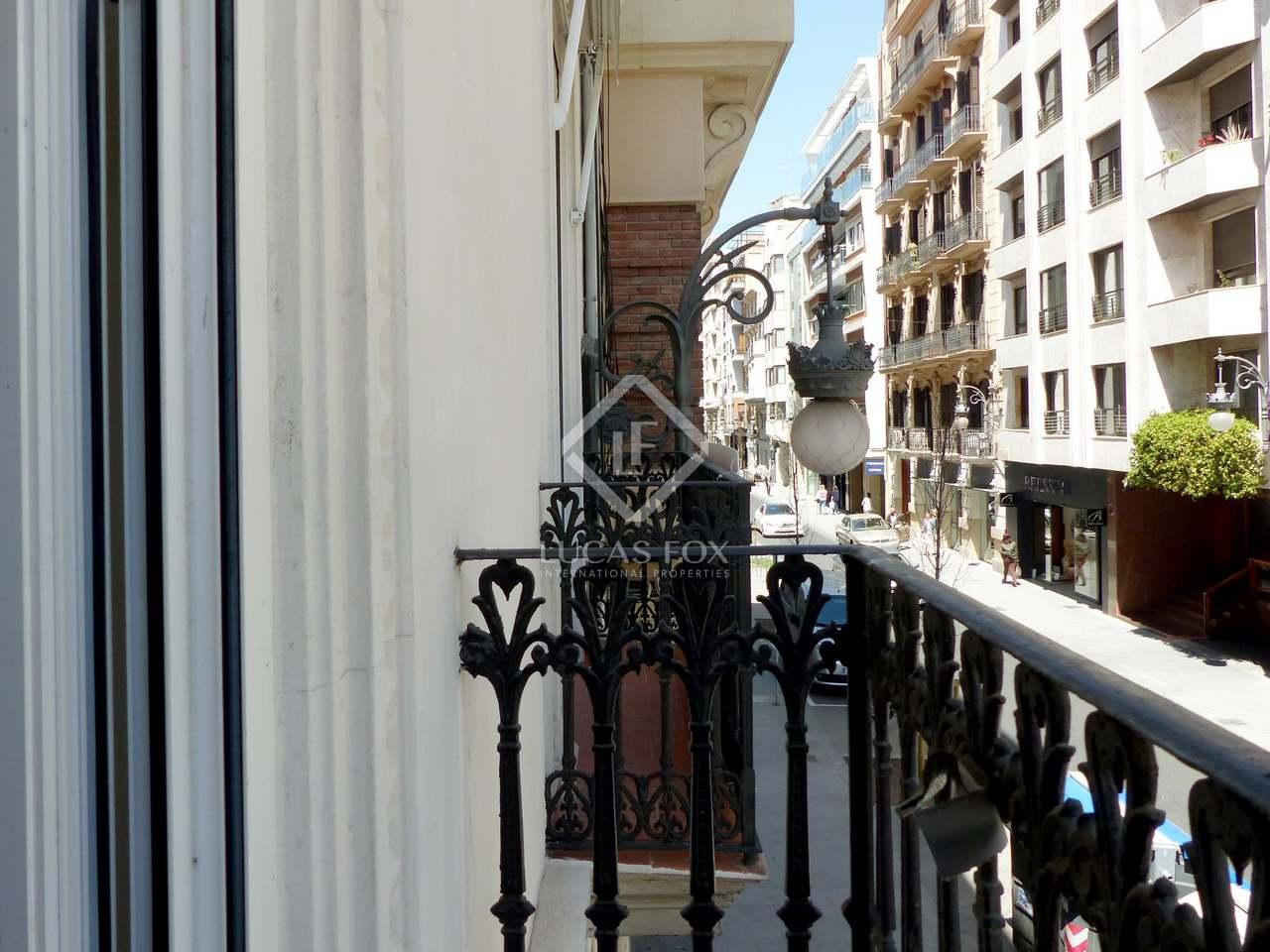 Vivienda modernista de 130 m en pla del remei con terraza for Viviendas para terrazas