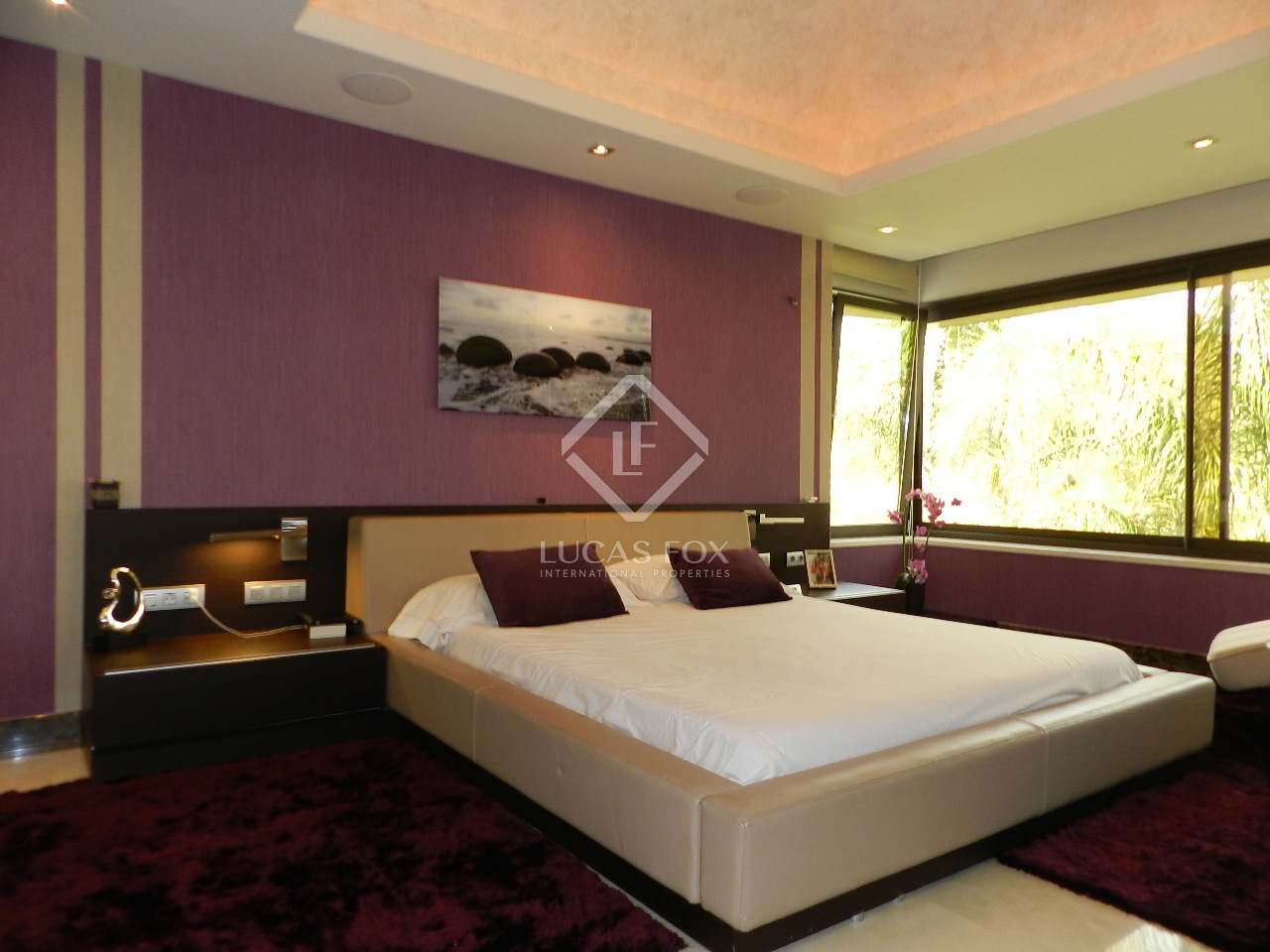 Master bedroom - 5 bed luxury villa Hacienda las Chapas, Marbella