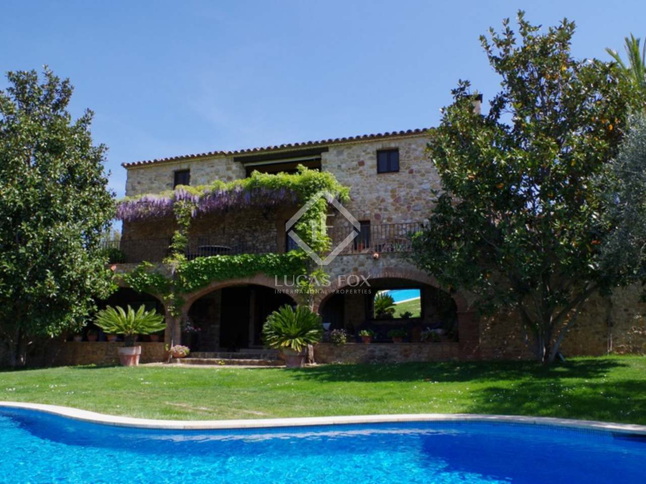 Girona vineyard and country estate for sale alt emporda for Piscine orsole