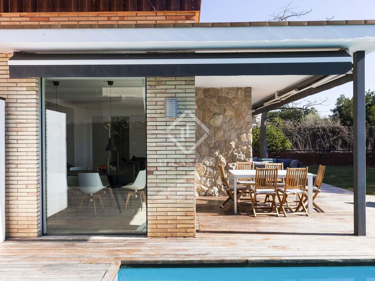 maison villa de 269m a vendre vallpineda barcelone. Black Bedroom Furniture Sets. Home Design Ideas