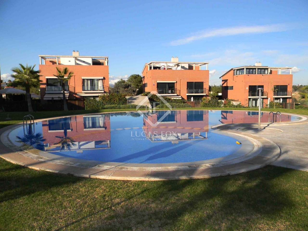 Chalet con piscina en venta en campolivar godella - Chalet con piscina ...
